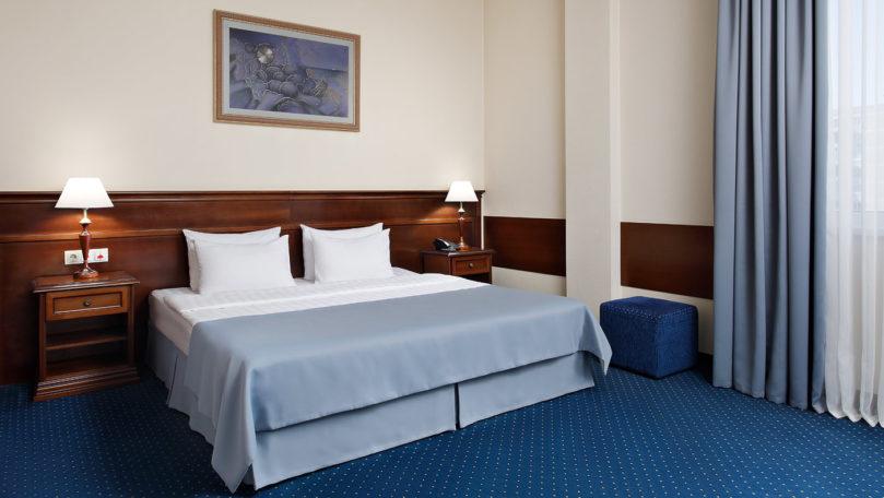 Двухкомнатный номер Люкс в гостинице Red Royal Hotel